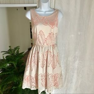 Cream and peach lace dress. Impeccable pig. large